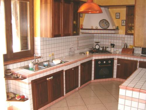 Vietri ceramiche - Mattonelle 10x10 cucina in muratura ...